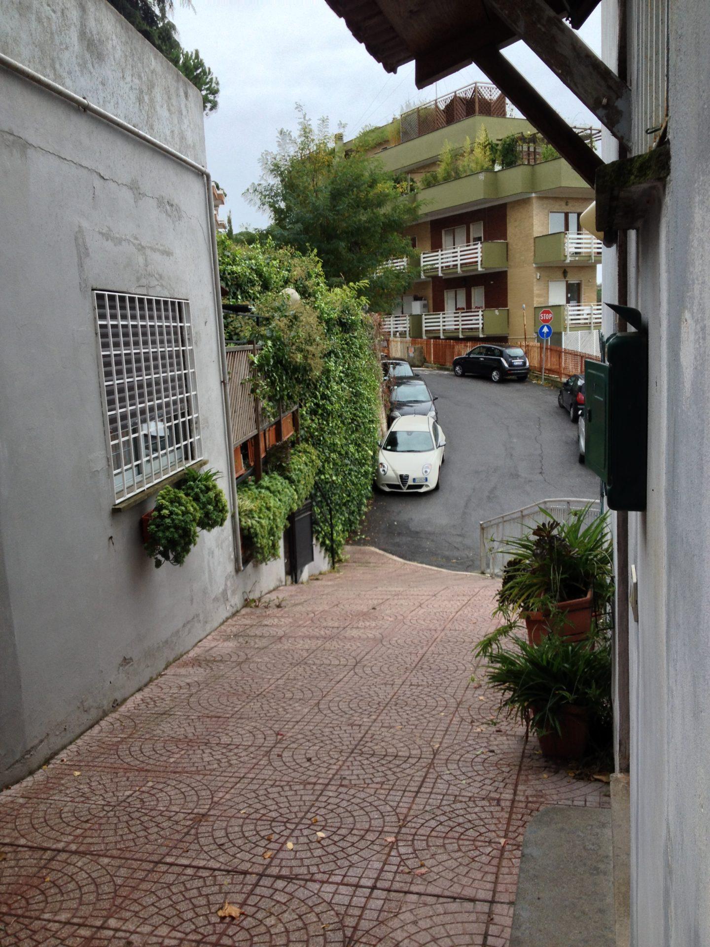 Affitto monolocale in zona cassia roma residenze for Contratto di locazione immobile arredato